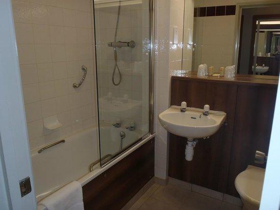 Sedgebrook Hall: Standard Bathroom