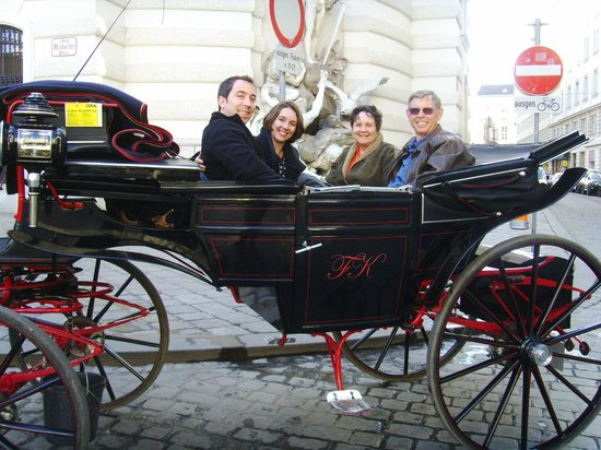 Pension Suzanne: Carriage ride through old Vienna