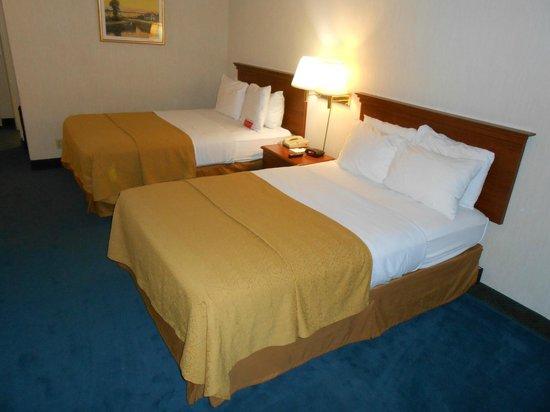 Ramada Hawthorne/LAX: Two double beds room