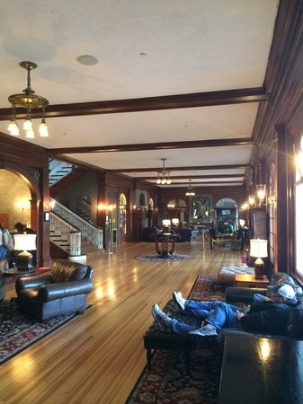 Stanley Hotel: Lobby of the Stanley