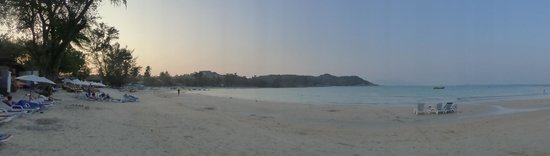 Imperial Boat House Beach Resort, Koh Samui: The beach at sunset.