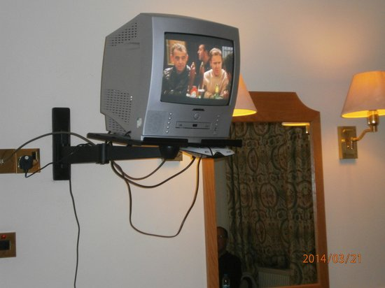 Lynford Hall: The TV in room 106