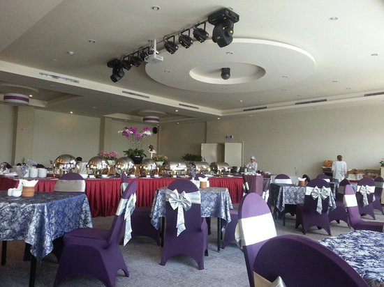 TTC Hotel Premium - Ngoc Lan: Buffet breakfast