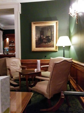 The Merrion Hotel: Good art everywhere you turn, from modern to traditional