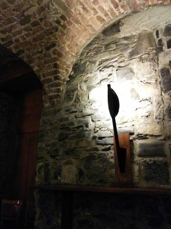 The Merrion Hotel : The Cellar dining room and bar