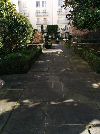 The Merrion Hotel : I looked forward to this garden every day... every day it inspired and relaxed me!