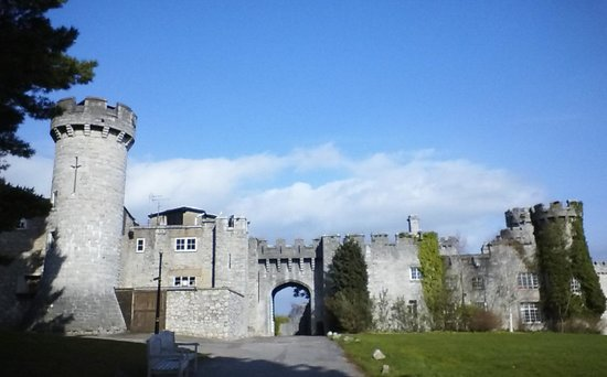 Warner Leisure Hotels Bodelwyddan Castle Historic Hotel: castle