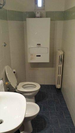 B&B Palazzo Anticaglia Luxury Napoli: 2 bagno in comune