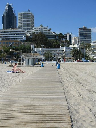 Playa de Poniente: Boardwalk onto Poniente Beach