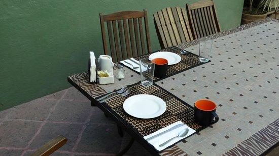 La Casa del Atrio: Desayuno al fresco