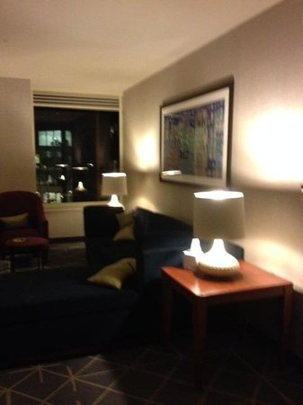 Courtyard New York Manhattan/Midtown East: Living Room