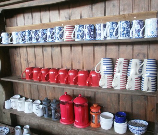 East Soar Walker's Hut: Selection of mugs