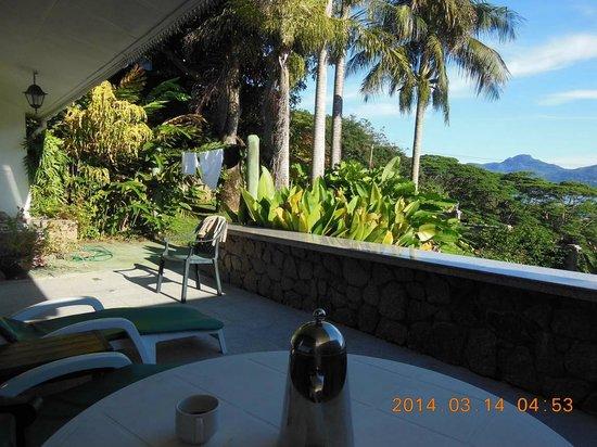 Anse Soleil Resort: Terrace and garden