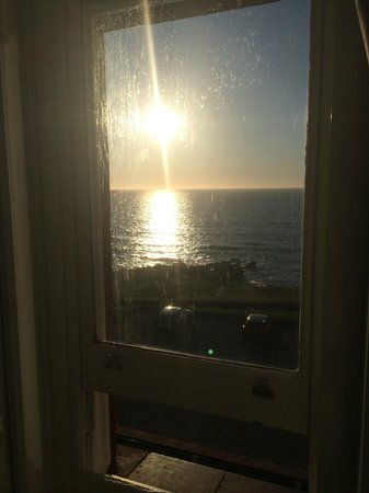 The Headland Hotel & Spa - Newquay: Ocean View Room - sunset view