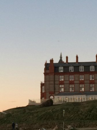 The Headland Hotel & Spa - Newquay: Hotel from the beach