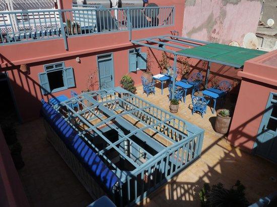 Hotel Les Matins Bleus : les chambres donnant sur la terrasse