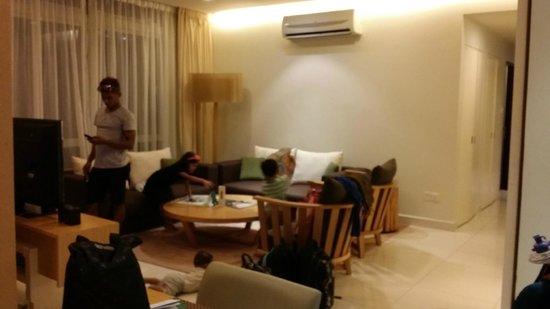 PARKROYAL Serviced Suites Kuala Lumpur: living area
