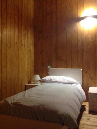 Albergo Diffuso Comeglians: una delle stanze da letto