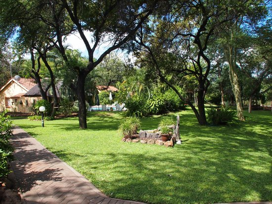 Sunbird Lodge : schöner Garten