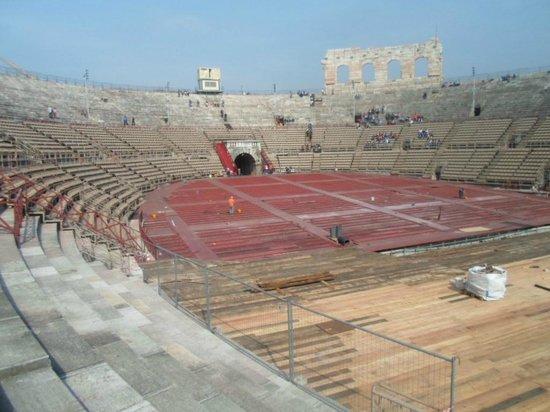 Arena di Verona: Platea e parte del palcoscenico
