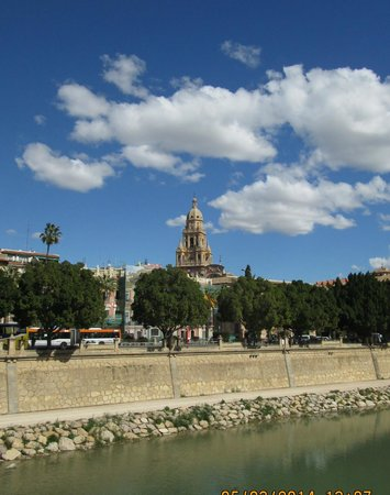 Cathedral de Santa Maria: The cathedral bell tower from the river Segura