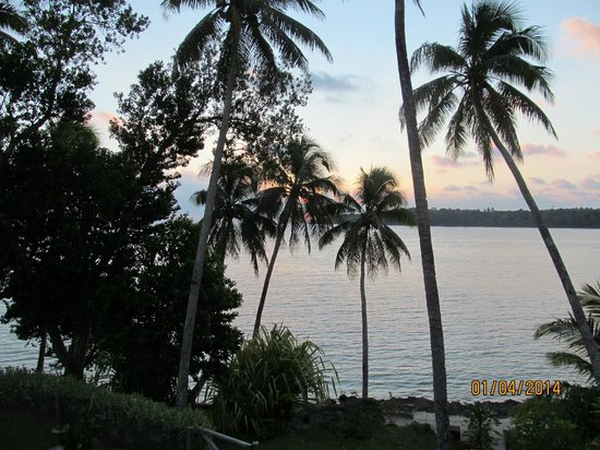 Pandanus Bay Waterfront Apartments: Sunset from our balconey