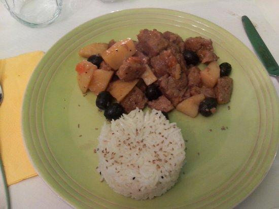 Ristorante Vegetariano Pitagora : Spezzatino di seitan con riso basmati speziato