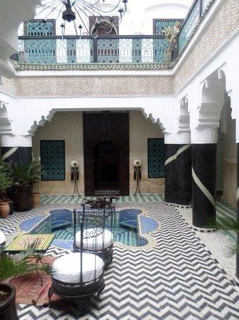 Riad Ben Tachfine ex Riad El mansour: Main courtyard