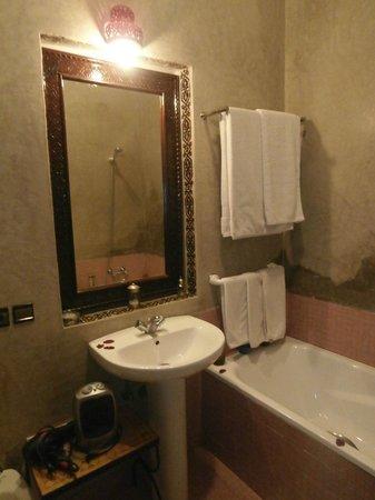Riad 58 Blu: bathroom