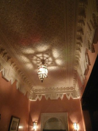 Riad 58 Blu: ceiling of room 1