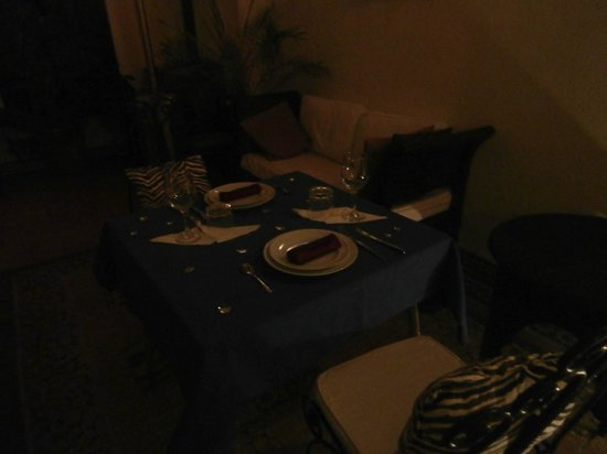 Riad 58 Blu: dinner served on first floor