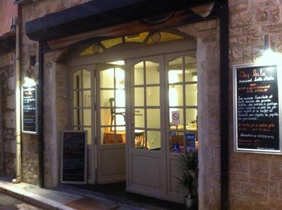 Chez Lulu: entrance