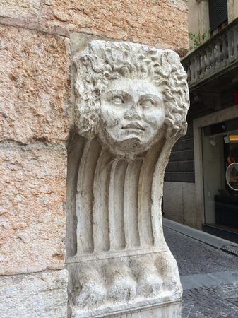 Colors of Italy - Guided Tours : Medusa