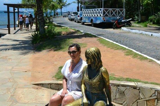 Brigitte Bardot Statue : Eu e Brigite em Buzios