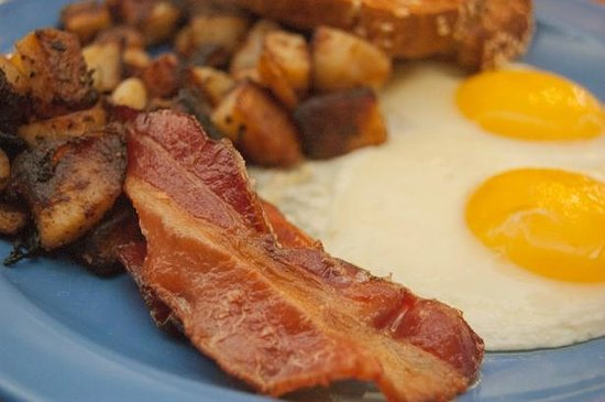 The Beach Grille: Egg Platter with Bacon
