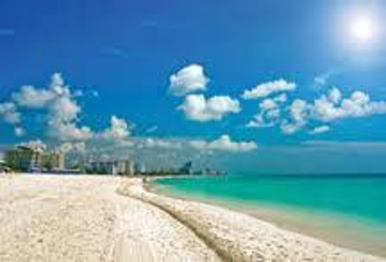 The Beach Grille: Beautiful Pompano Beach...Just Steps Away