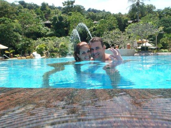 Phi Phi Island Village Beach Resort : pool