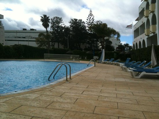 Paladim Apartments: Pool area