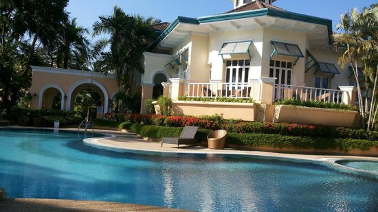 Royal Lighthouse Villas at Boat Lagoon : Swimming pool