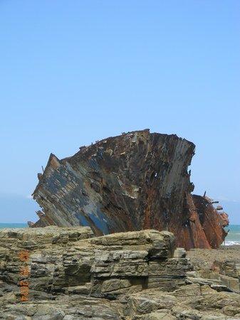 The wreck of the Jacaranda