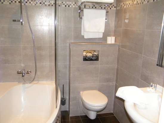 Hotel Darse: salle de bain