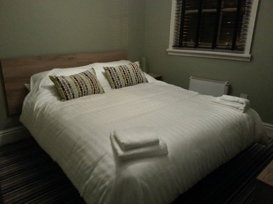 24 Catharine Street Hotel