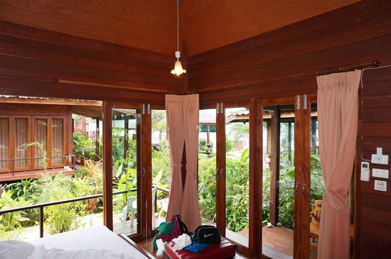 Lipa Bay Resort : Room