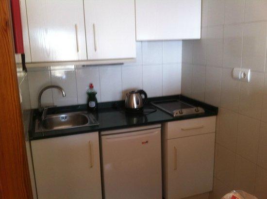 La Era Park Apartments: Kitchen