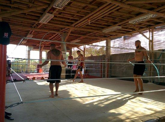 Legacy Gym Boracay : Échauffement