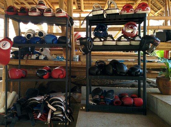 Legacy Gym Boracay: Matériel