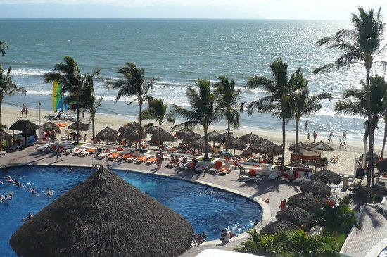 Marival Resort & Suites: Pool and ocean view from our room