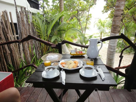 La Chan Cabanita: Breakfast from private balcony of chan cabin