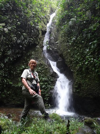 San Jorge de Milpe Eco-Lodge Orchid & Bird Reserve: another waterfall and me