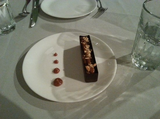 La Case de l'Isle: peanut chocolate dessert